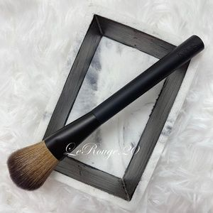 NARS #20 blush powder brush (NEW)